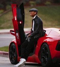 Chris-Brown-Red-Lamborghini-photo