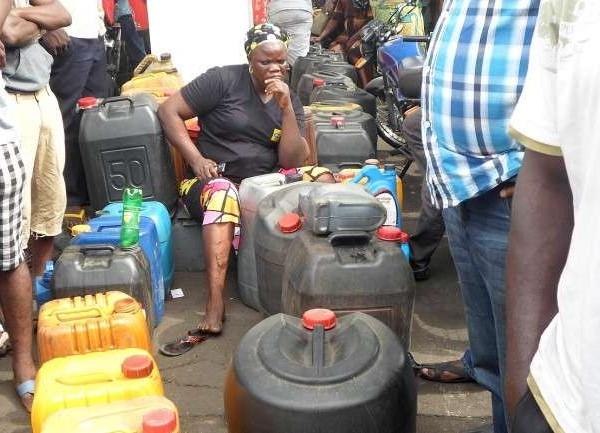 Nigeria-Fuel-Scarcity-Photo-650x433