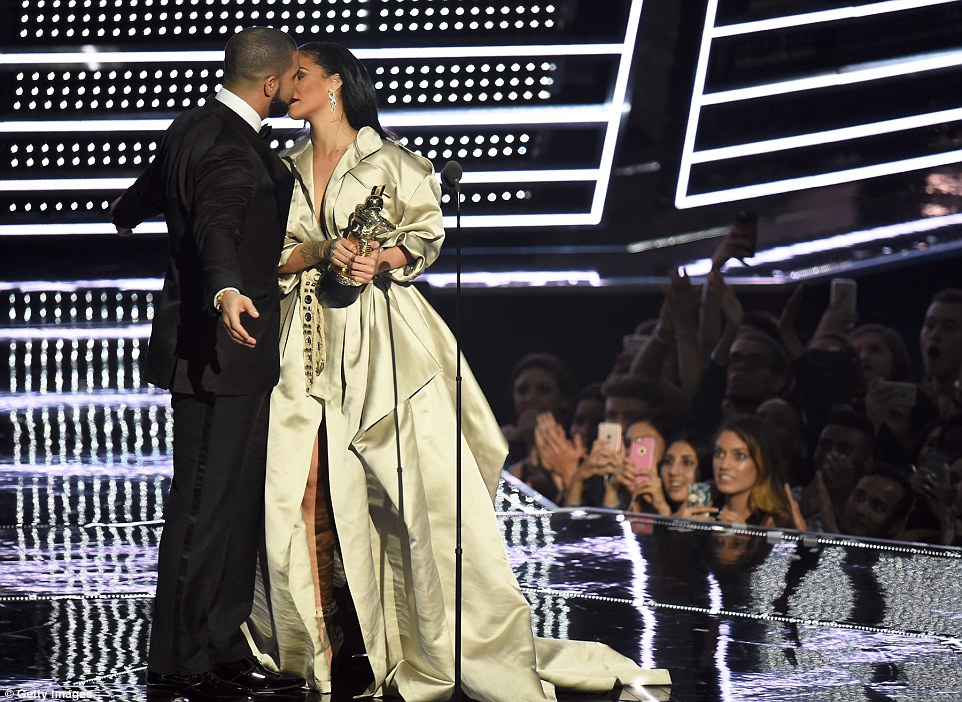 Drake Rihanna4